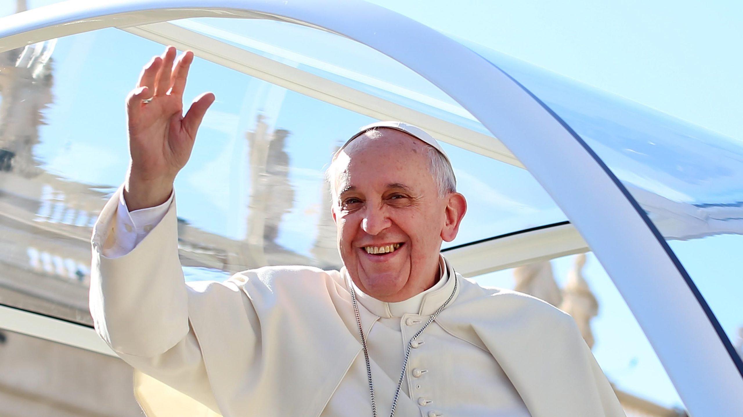 Photo of Ferenc pápa támogatja a melegek élettársi kapcsolatát
