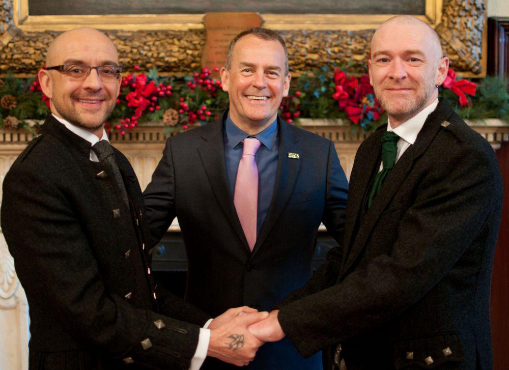 Photo of Összeházasodtak az első meleg párok Skóciában