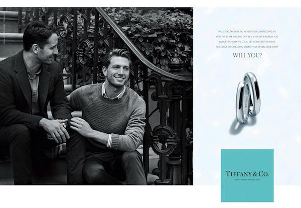 Photo of Meleg párral reklámozzák a jegygyűrűt