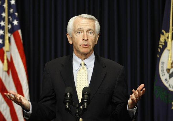 Photo of Kentucky kormányzója szerint nem diszkriminatív az azonos nemű párok házasodásának tilalma