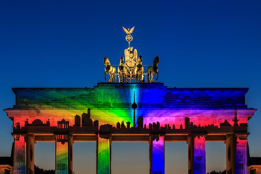 """Photo of Egy német újság """"cikke"""" arról, mi változna a heteroszexuális párok életében, ha az azonos nemű párok is házasodhatnának"""