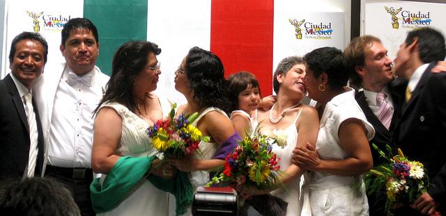 Photo of Mexikó: eltörölték az azonos neműek házasodására vonatkozó tilalmat