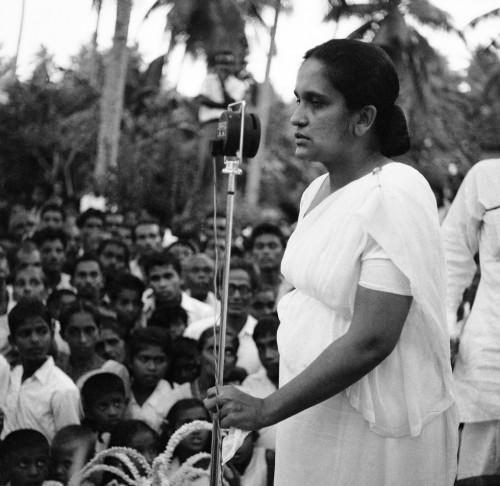 Photo of CsakADanitÉrdekli – Sirimavo Bandaranaike, a világ első női miniszterelnöke