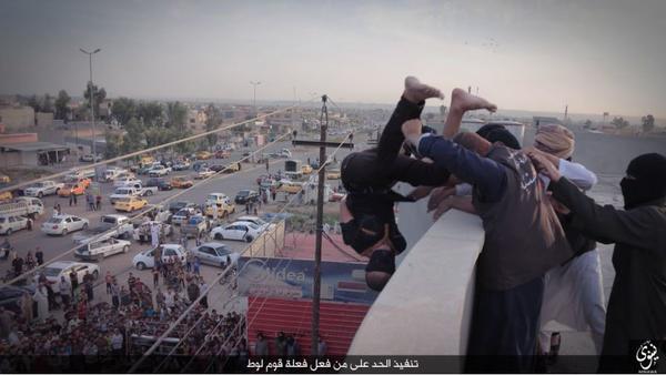 Photo of Két újabb áldozata van az ISIS melegellenes hadjáratának