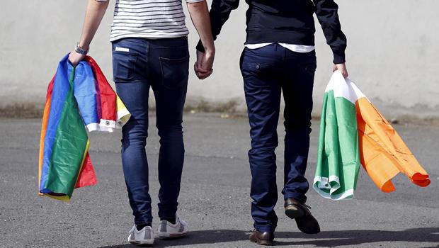 Photo of Háttér Társaság: A heteró élettársaknak is járjon az öröklési illetékmentesség