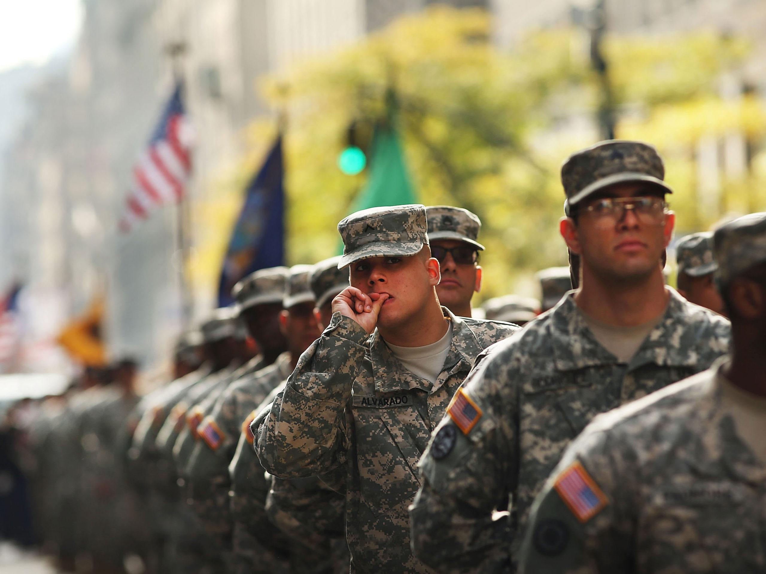 Photo of Videó: Ilyen melegnek lenni a seregben