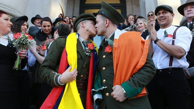 Photo of Videó: Ilyen egy igazi vintage katonai esküvő
