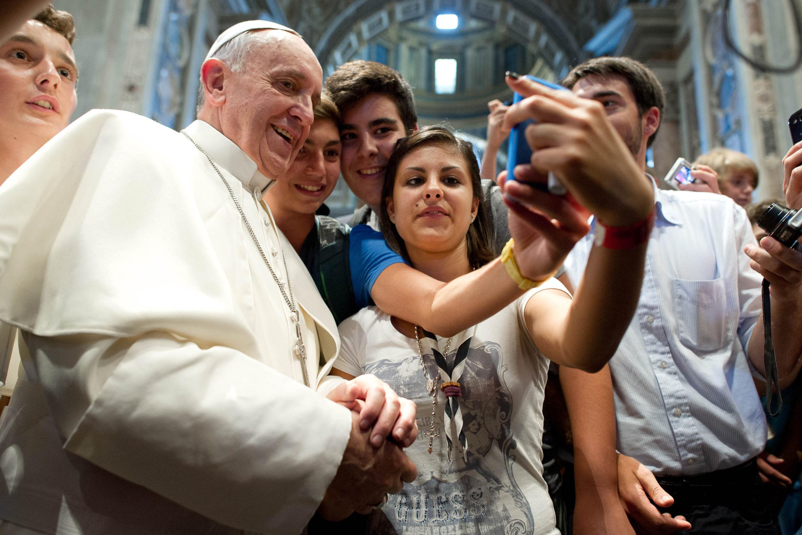 Photo of Ferenc pápa szerint az LMBTQ gyerekeket is ugyanúgy kell szeretni