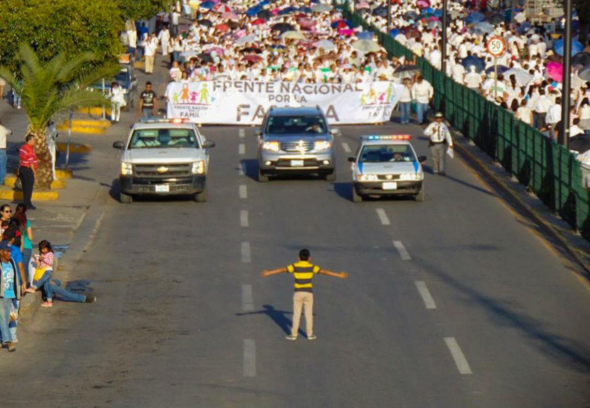 Photo of Így állított meg egy 12 éves 11 ezer homofóbot