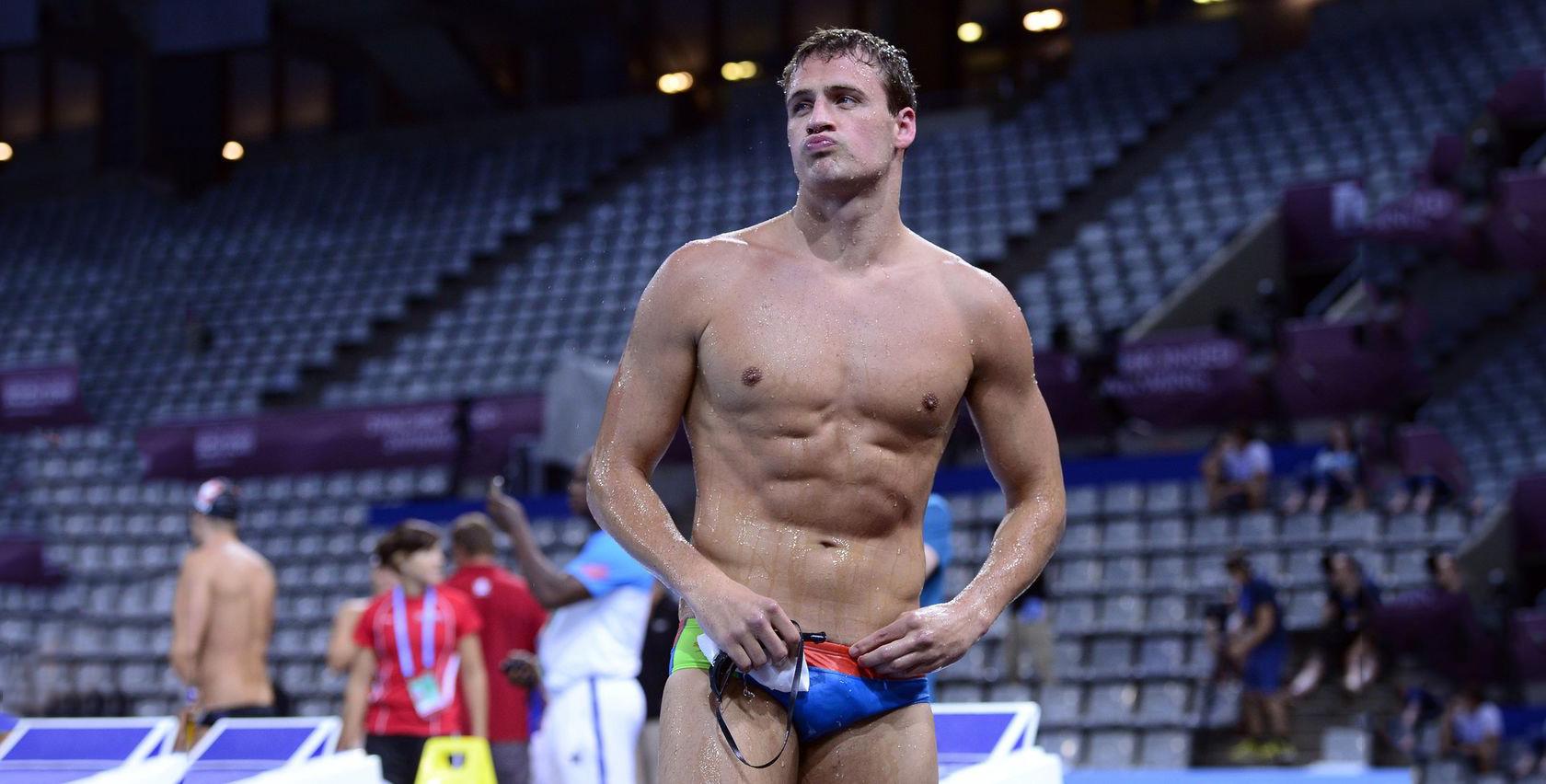 Photo of A Playgirl meztelenül akarja a sztárúszó olimpikon Ryan Lochte-t