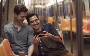 same-sex-couple-iphone-7