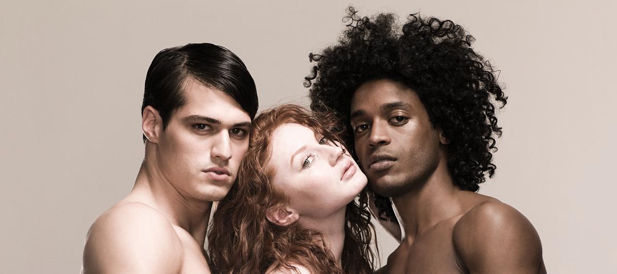 Photo of A biszexuális férfiak jóval kevesebbet keresnek, mint a melegek