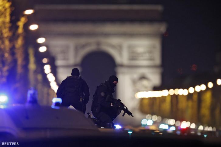 Photo of Meleg rendőr volt a csütörtöki párizsi terrortámadás halálos áldozata