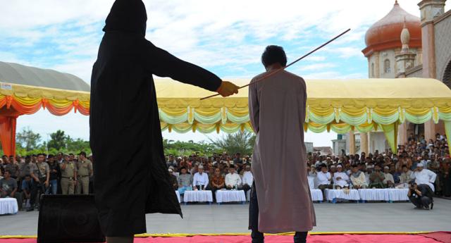 Photo of Veszélybe sodorja saját LMBTQ közösségét Indonézia