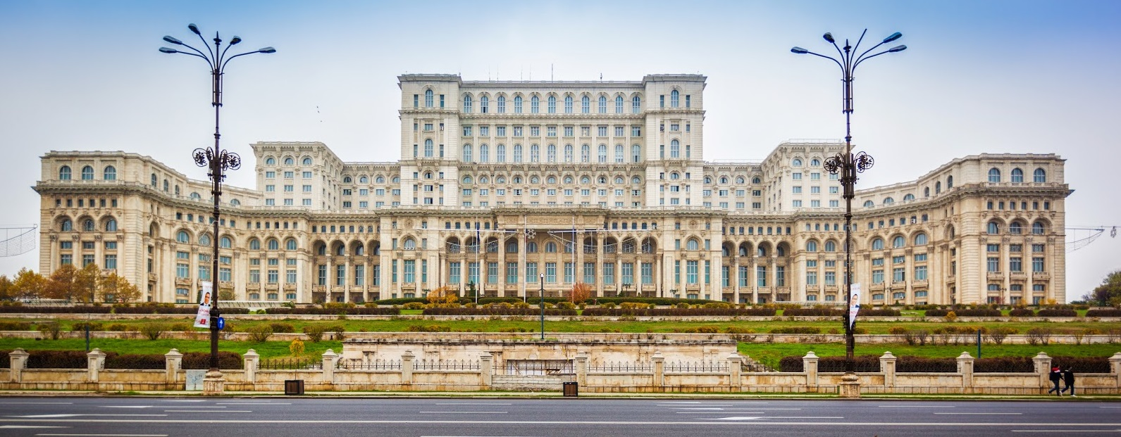 Photo of Alkotmányban tilthatja meg Románia az azonos neműek házasságát