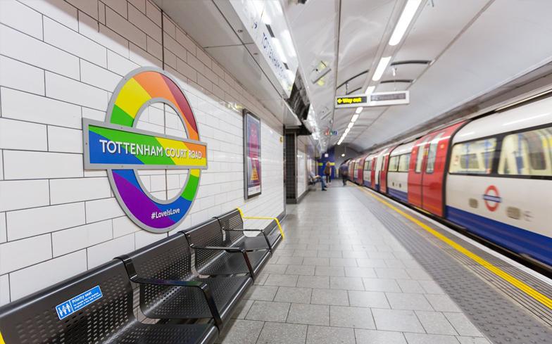 Photo of Szivárványos buszok és metrómegállók Londonban a pride idejére