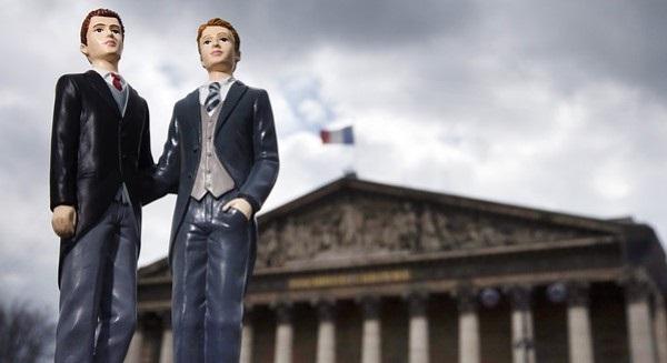 Photo of Ijesztően szaporodnak Franciaországban az LMBTQ-ellenes bűncselekmények