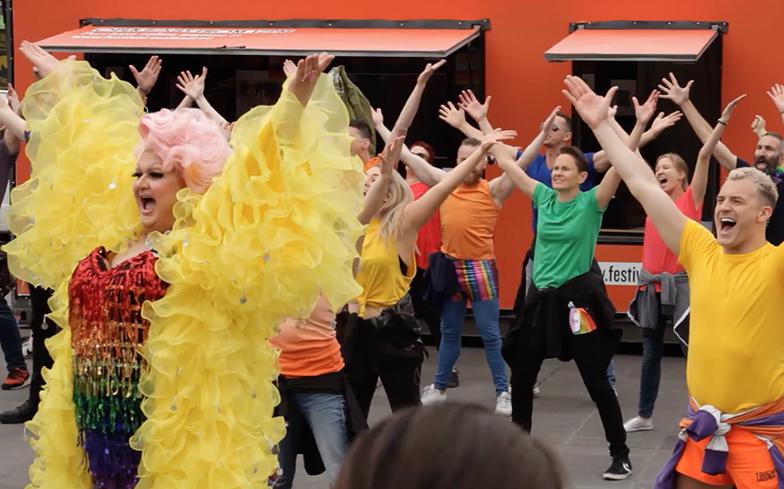 Photo of Videó – Felejthetetlen flashmobbal álltak ki Ausztráliában a házassági egyenlőségért