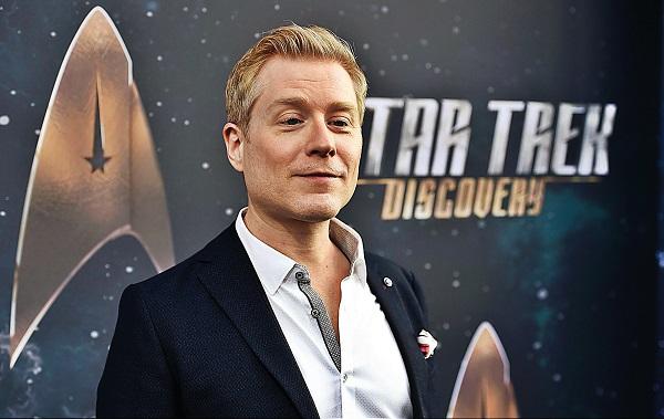 Photo of Eljegyzési fotókkal ünnepel a Star Trek meleg színésze