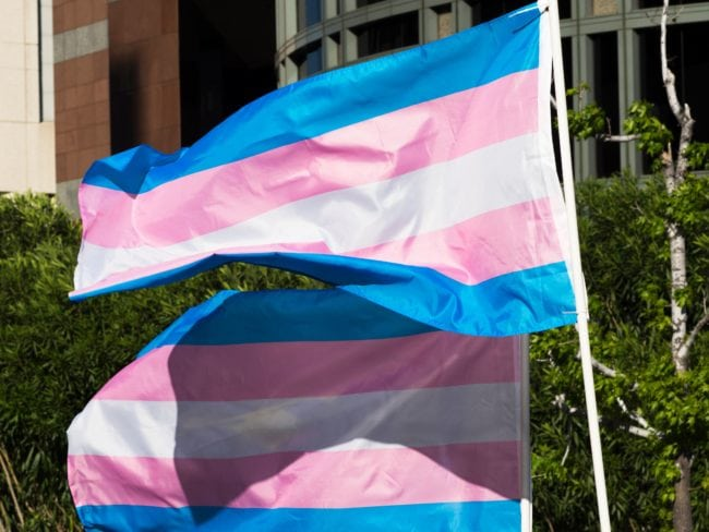 Photo of A nők a transznemű nők mellett álllnak