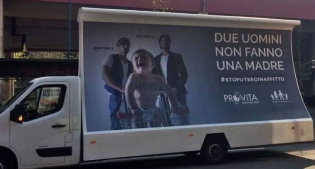 Photo of Olaszországban eltávolították a homofób hirdetőplakátokat
