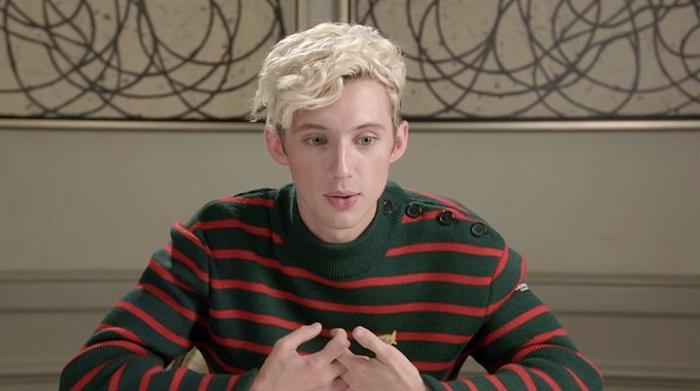 Photo of Troye Sivan elérzékenyült rajongóitól