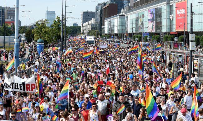 Photo of Lengyelország is közelebb került az átnevelő terápiák betiltásához