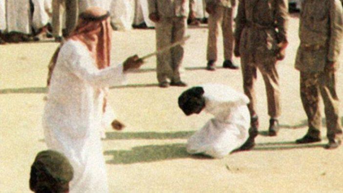 Photo of Homoszexualitás vádjával fejeztek le férfiakat Szaúd-Arábiában