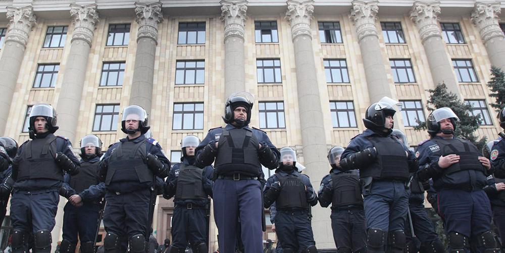 Photo of Erőszakos razziát tartottak a rendőrök egy ukrán melegbárban
