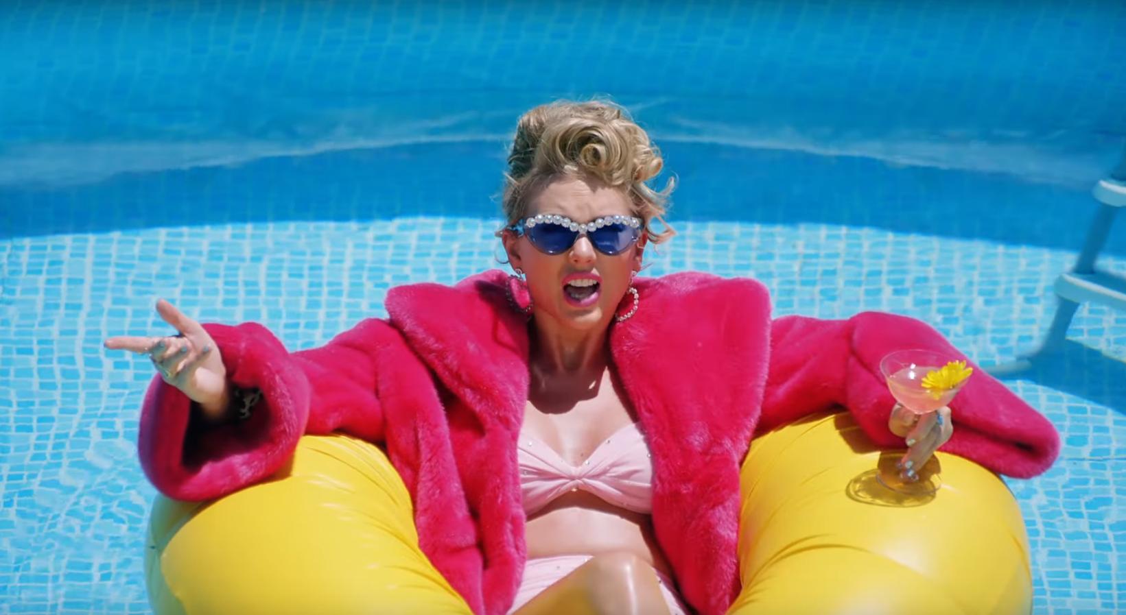Photo of Queer hírességektől hemzsegő videóklip Taylor Swifttől