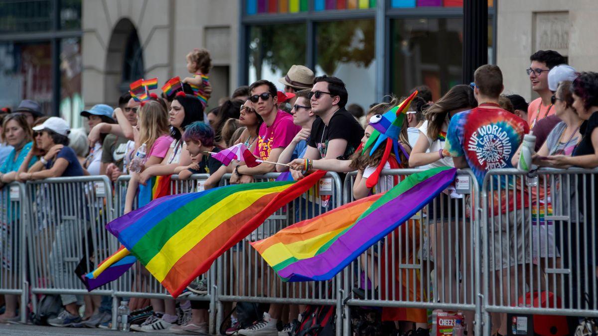 Photo of Többen is megsérültek a washingtoni pride felvonuláson