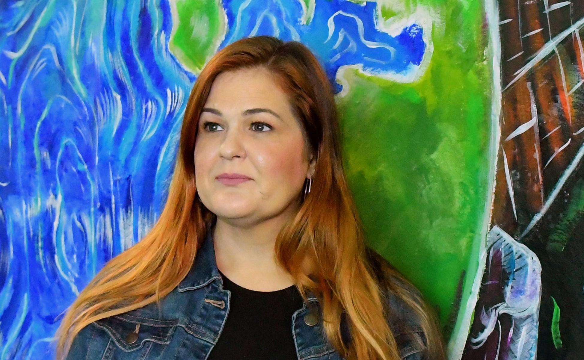 Photo of Kirúgták a leszbikus tanárnőt, amiért nem követi a Biblia tanítását