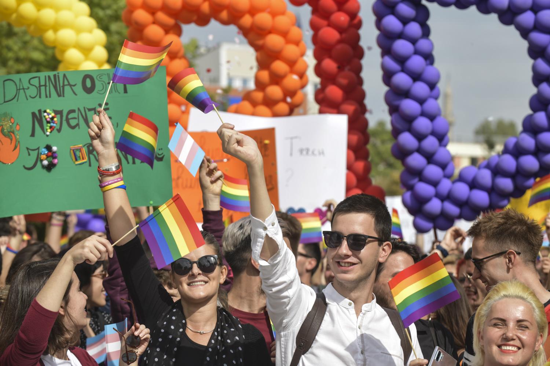 Photo of Megtartották Koszovó harmadik pride felvonulását