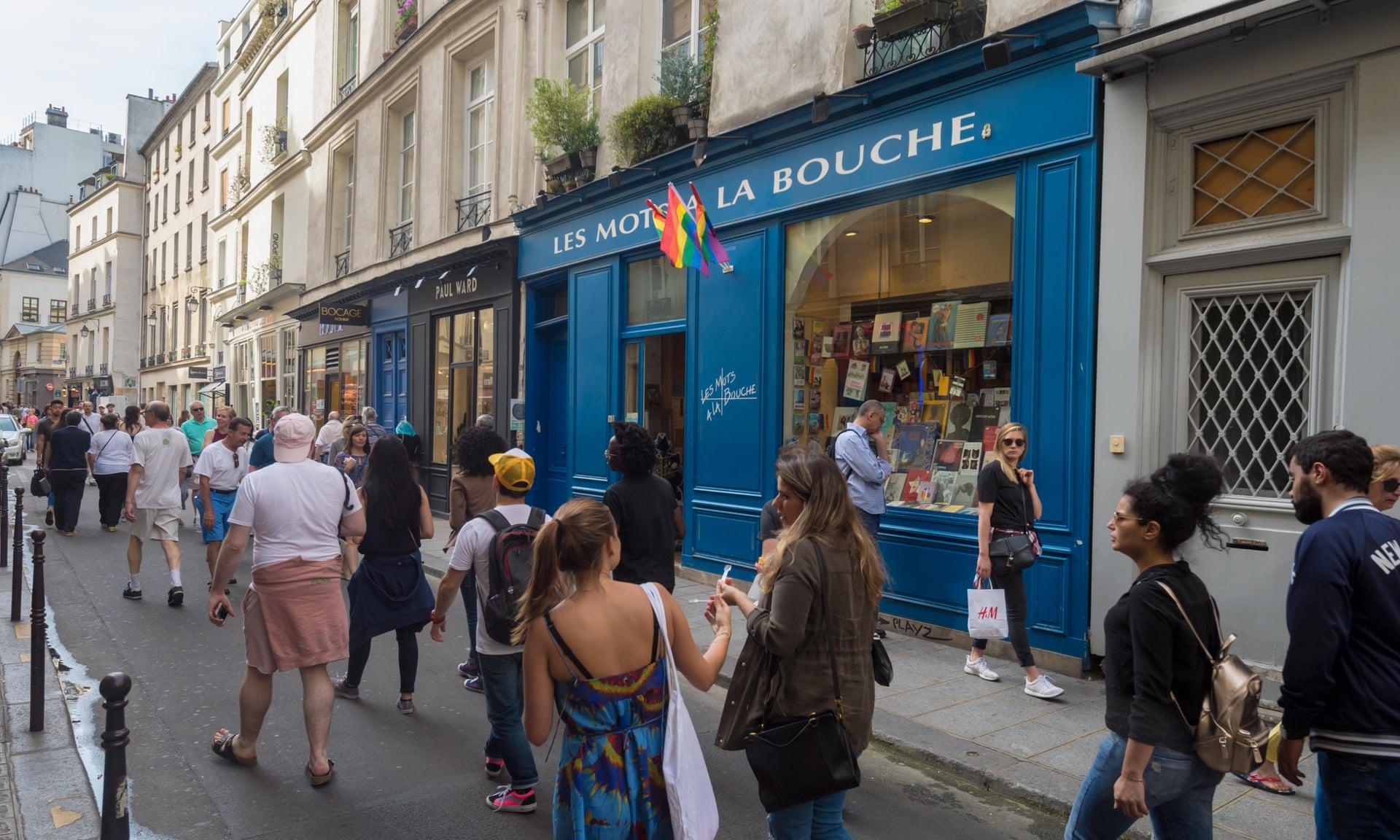 Photo of Kiszorítják helyéről Párizs melegnegyedének LMBTQ könyvesboltját