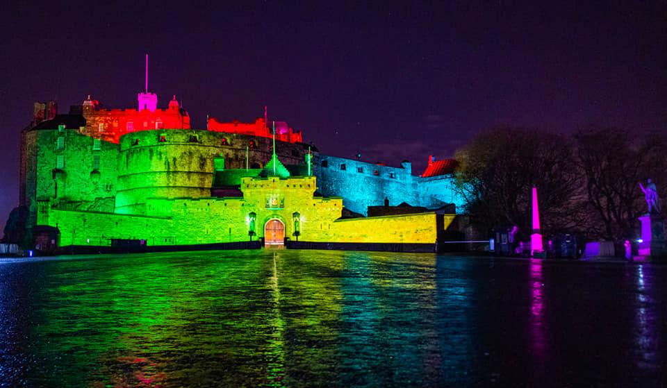 Photo of Szivárványfényben úszott az Edinburgh-i vár