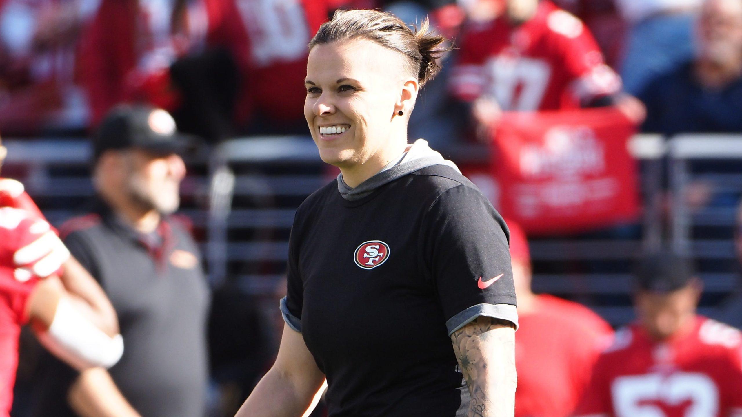Photo of Először jutott el leszbikus edző a Super Bowlig