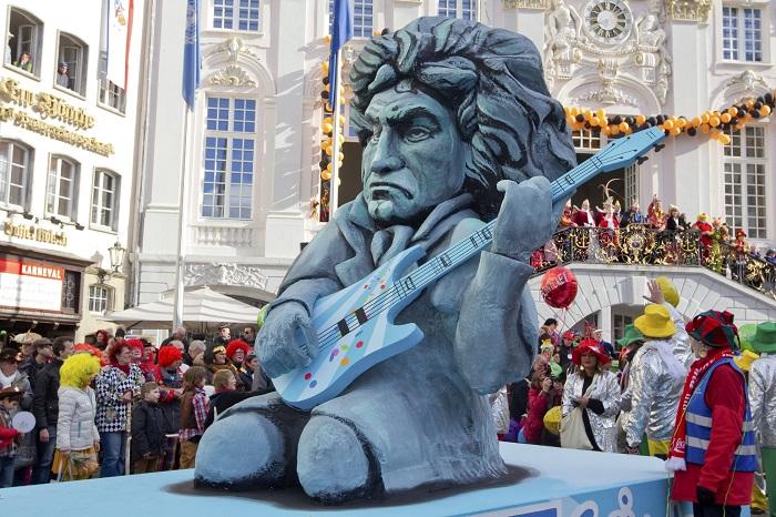 Photo of Ludwig FUN Beethoven – Komolytalan programok a 250. születésnap tiszteletére