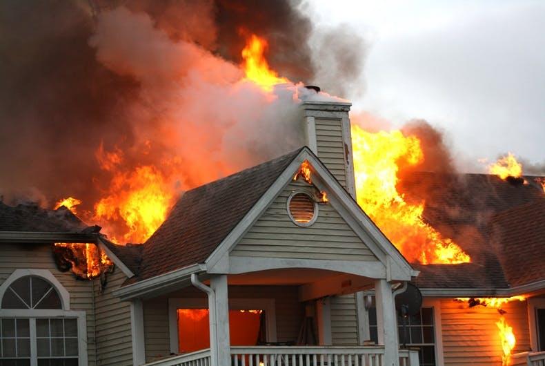 Photo of Börtönbe kerül a férfi, aki felgyújtotta egy transz nő házát
