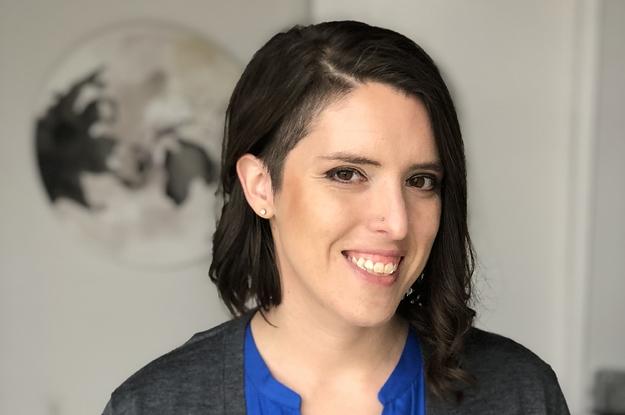 Photo of Kártérítésben részesül a felfüggesztett leszbikus tanárnő