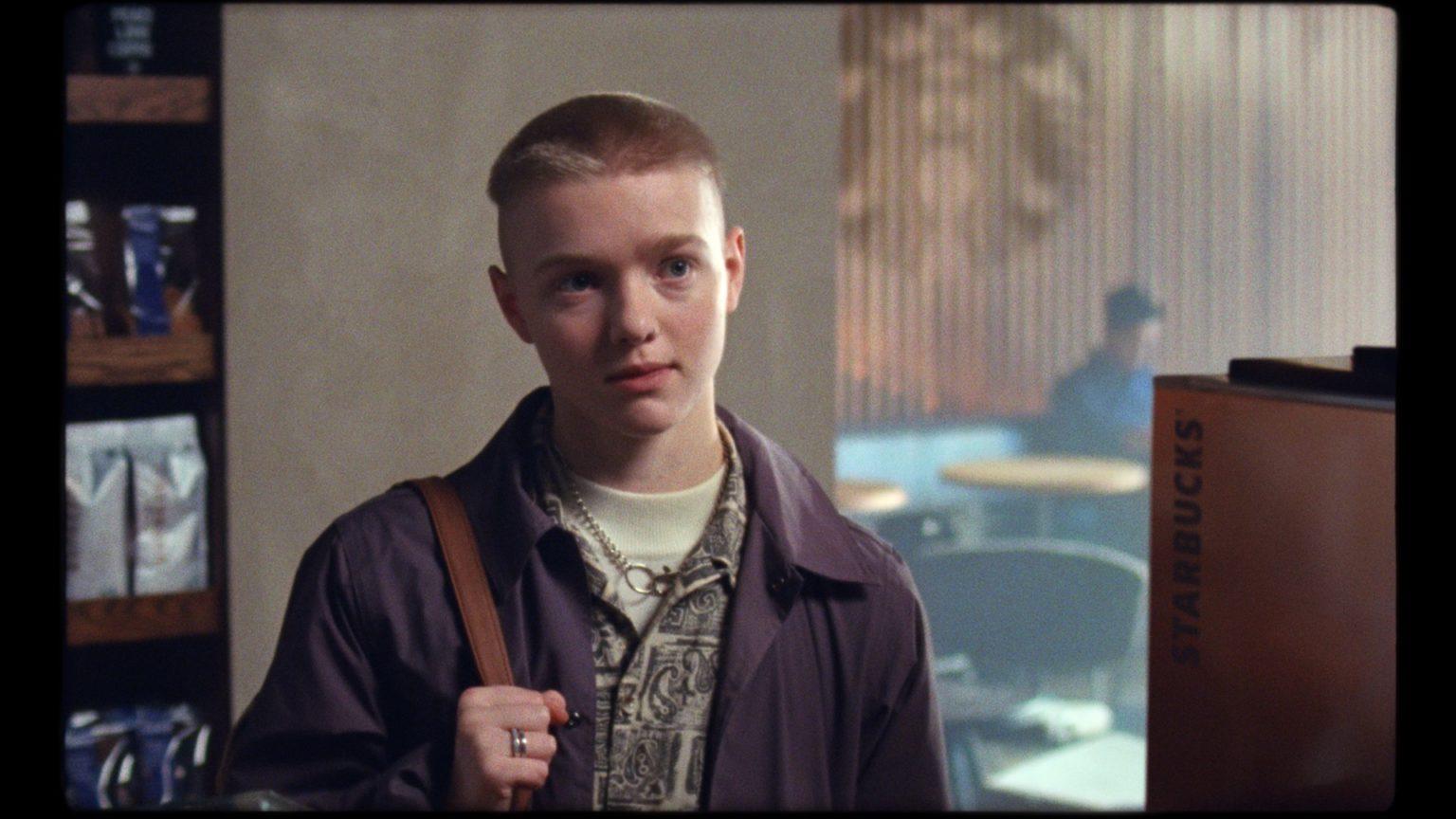 Photo of Egy transz fiú szívmelengető története az új Starbucks reklámban