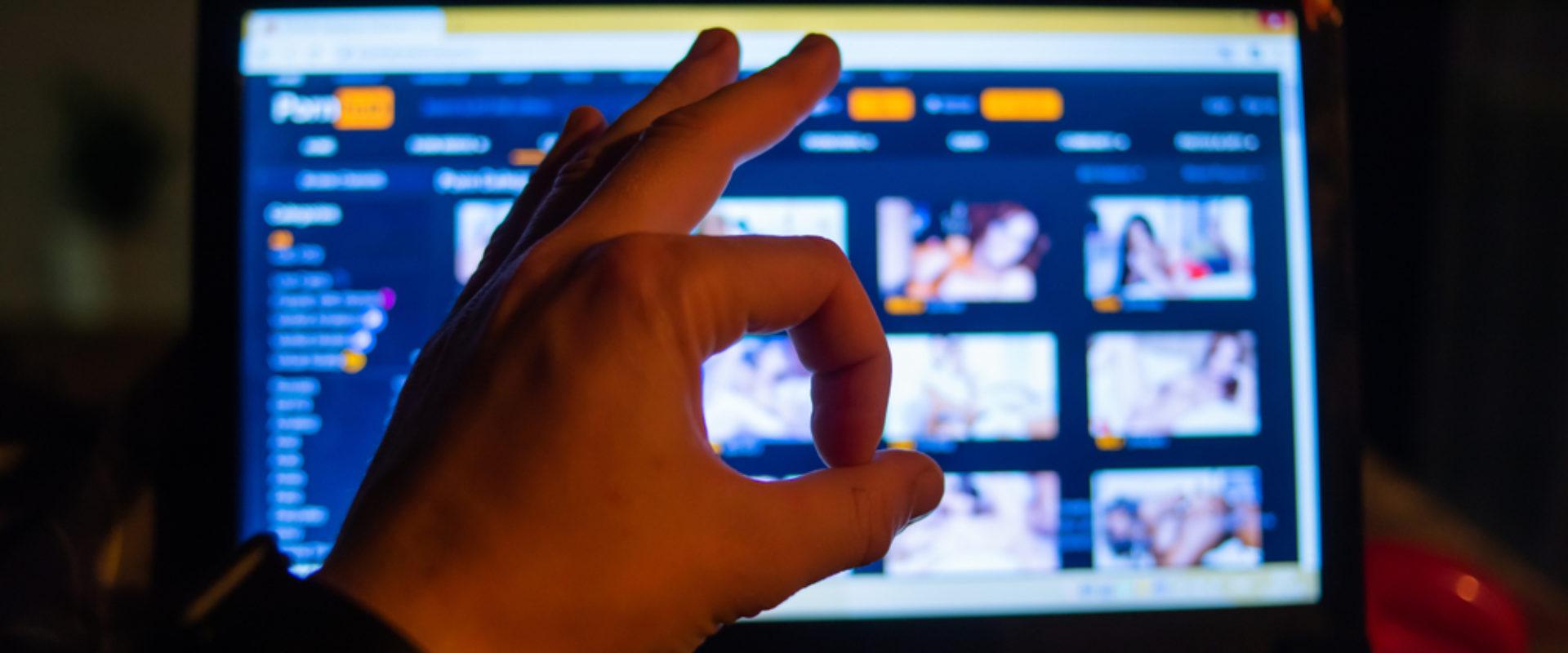 Photo of Újabb országoknak kínál ingyenes prémium hozzáférést a PornHub