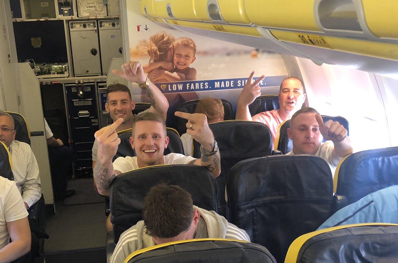Photo of Nem indítanak eljárást a repülőgépen leszbikus párt zaklató férfiak ellen