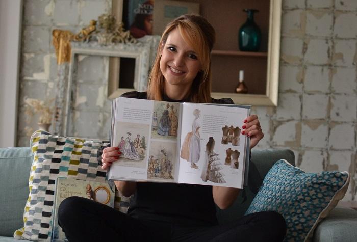 """Photo of """"Rengeteg rendkívüli asszony sorsát ismertem meg"""" – Interjú Budai Lotti íróval"""