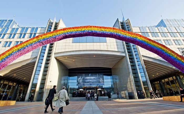 Photo of Az átnevelő terápiák betiltását követelik európai parlamenti képviselők