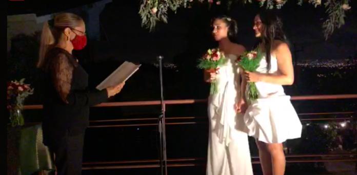 Photo of Élő adásban házasodott össze az első azonos nemű pár Costa Ricán