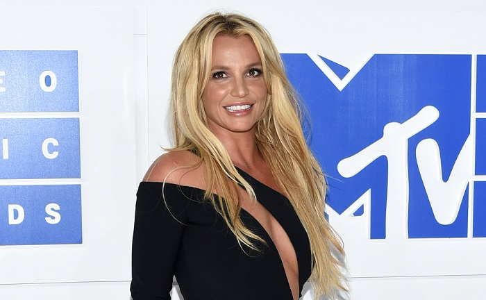Photo of Britney Spears szobrokat állítanának a konföderációsok helyére az Egyesült Államokban