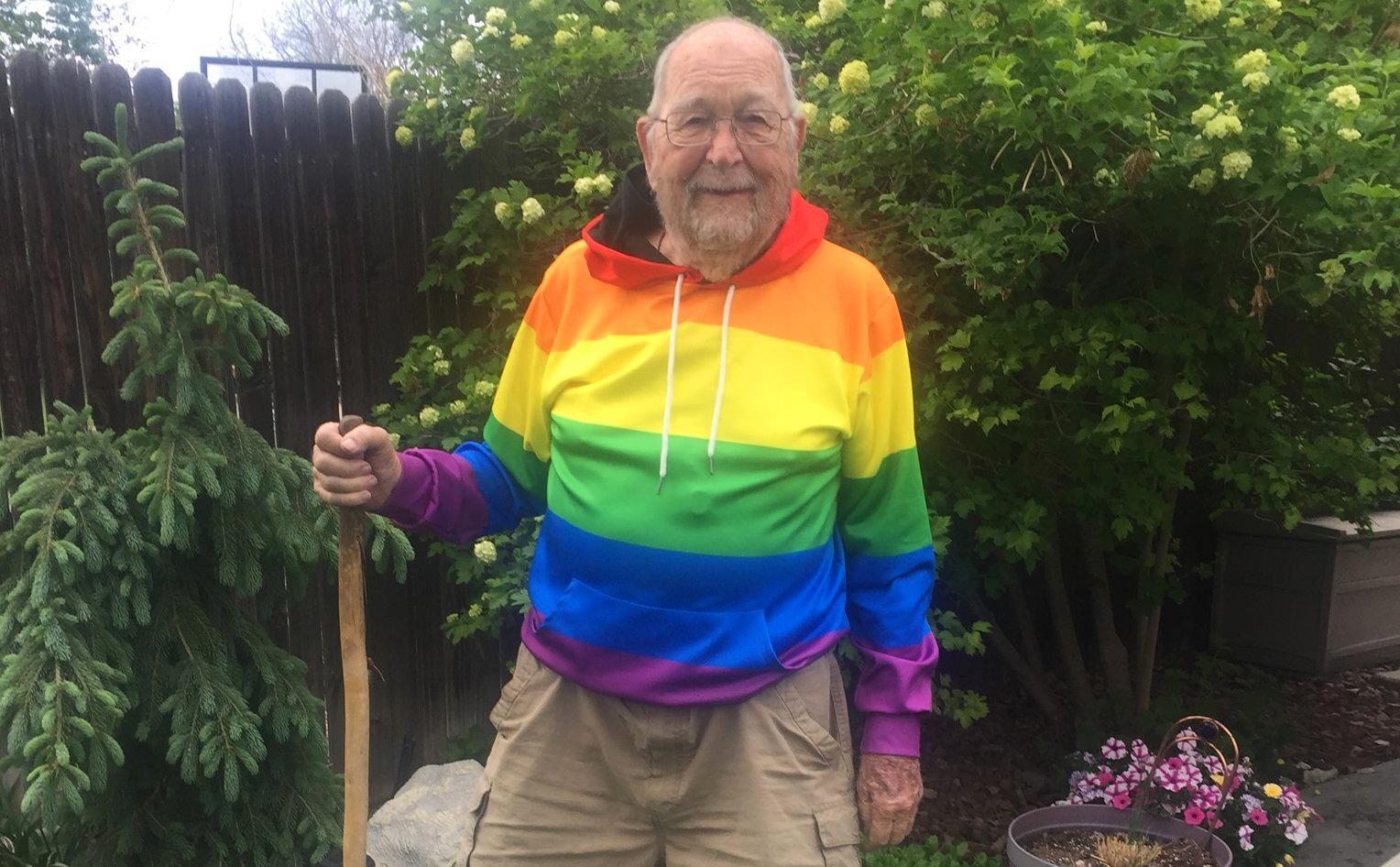 Photo of Megtalálták a 90 éves korában coming outolt bácsi szerelmét