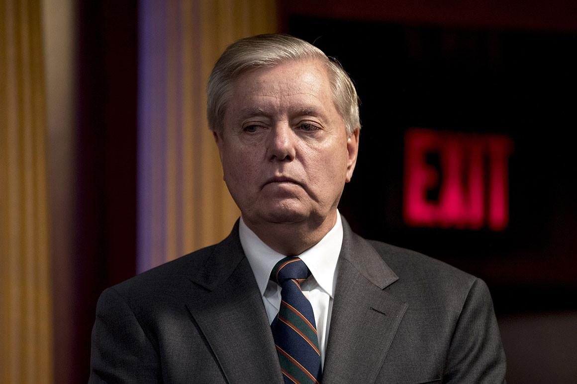 Photo of Trump egyik legfőbb támogatója, a homofób szenátor férfiprostituáltakhoz jár