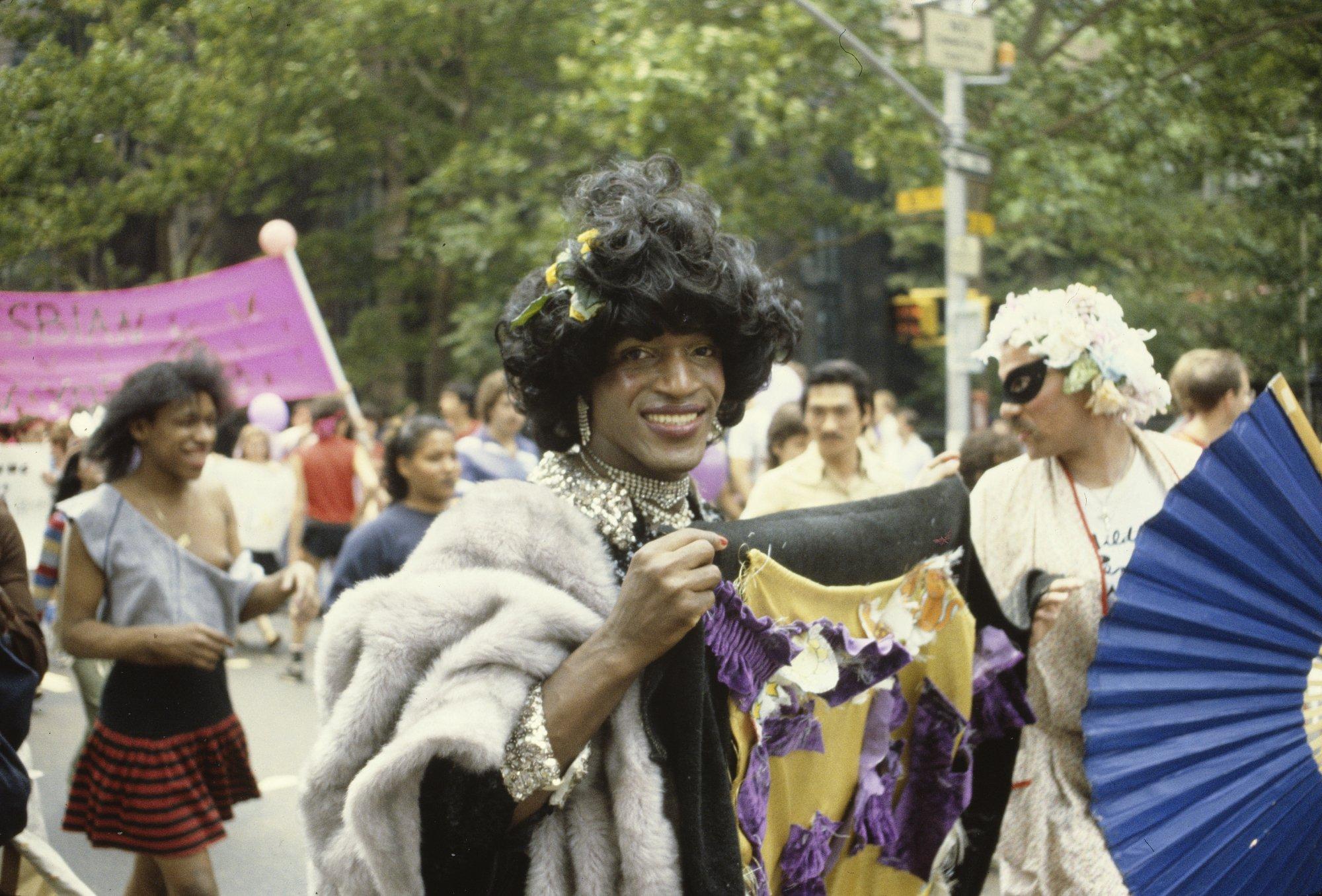 Photo of Kolumbusz helyett Stonewall transznemű hősének akarnak szobrot a lakók