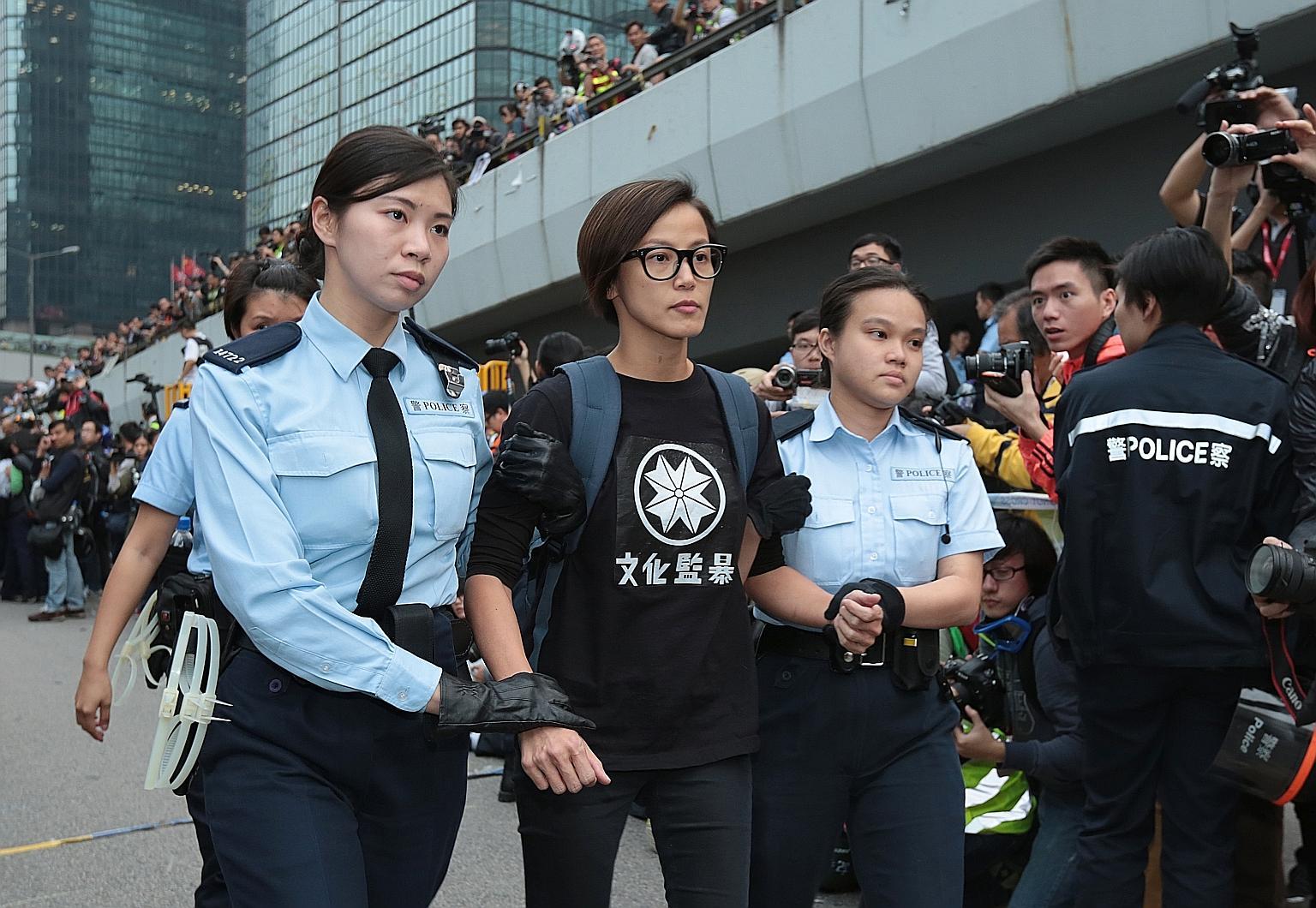 Photo of A demokráciáért harcol a leszbikus popsztár Hongkongban